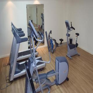 Premier Inn Dubai Investments Park - Sport