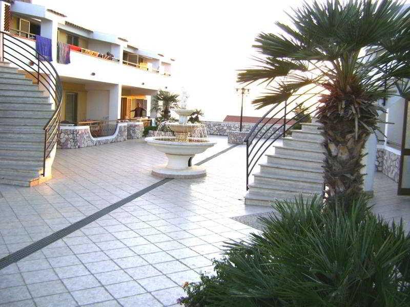 San Domenico Club Residence, Viale Raffaello,