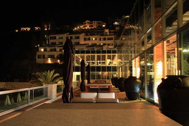 Avala Resort & Villas - Bar