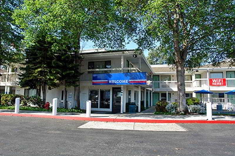 Motel 6 Oakland Embarcadero