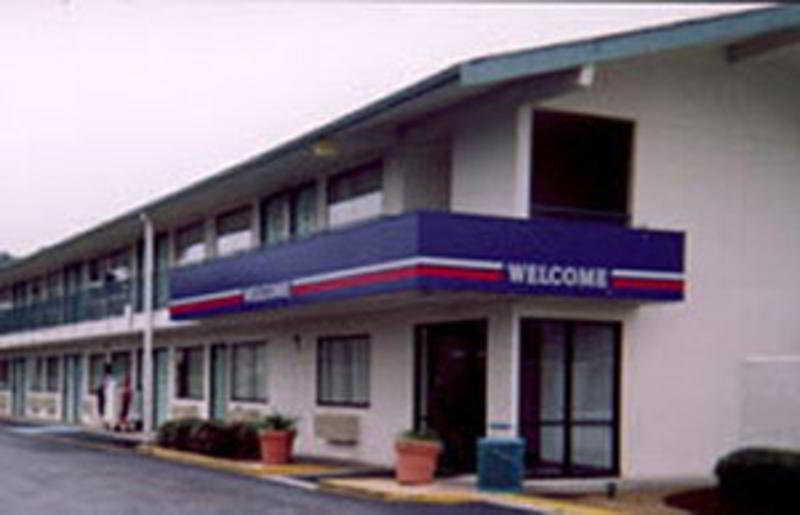 Motel 6 Santa Fe, 3007 Cerillos Road,