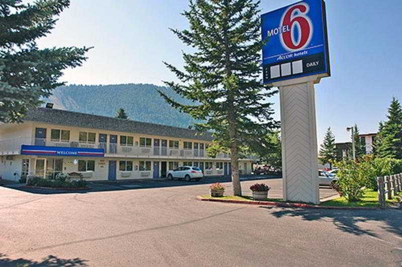 Motel 6 Jackson, 600 South Highway 89,