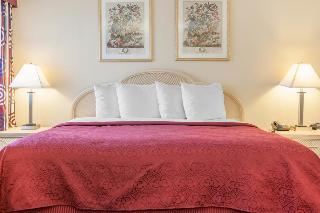 Quality Inn Effingham, 1304 W. Evergreen Drive,
