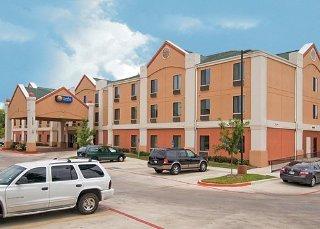 Comfort Inn & Suites At Vance Jackson