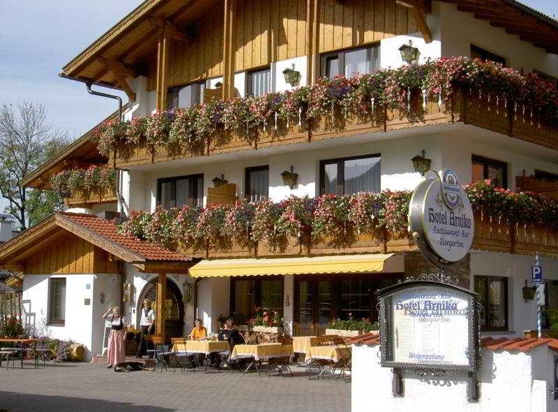 oberammergau hotels oberammergau hotel in oberammergau. Black Bedroom Furniture Sets. Home Design Ideas