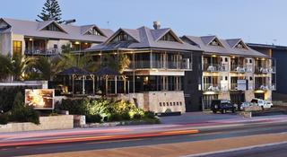 Sunmoon Boutique Resort, 200 West Coast Hwy,