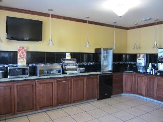 Quality Inn, 5706 I-27,