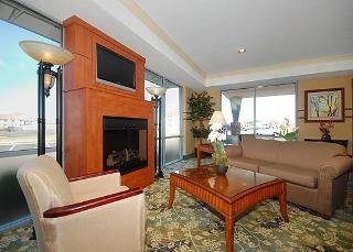 Book Comfort Suites Elizabethtown - image 0