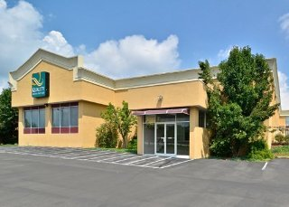 Book Quality Inn & Suites Indiana Indiana - image 2