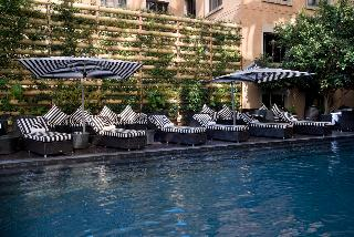 DAVINCI Suites - Pool