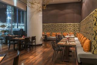 Yas Hotel Abu Dhabi - Restaurant