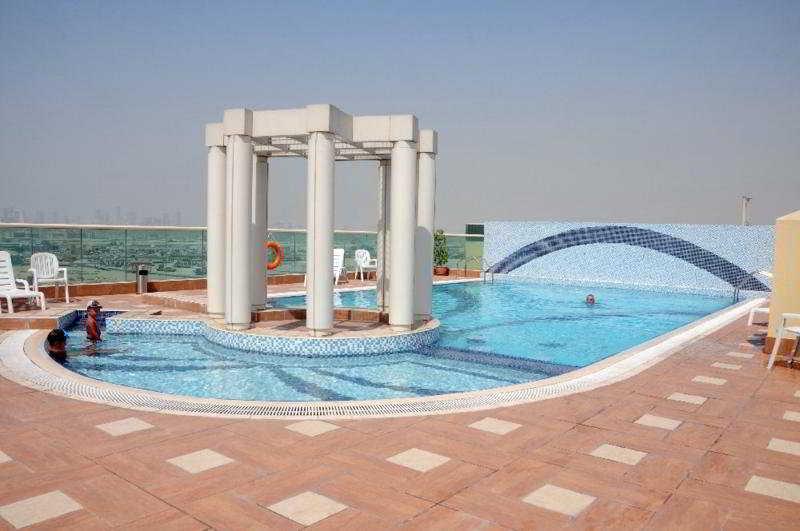 Dunes Apartments (Muhaishah) - Pool