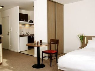 Comfort suites le port marly le port marly - 3 avenue simon vouet le port marly 78560 ...
