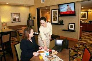 Hampton Inn & Suites Cedar Rapids North