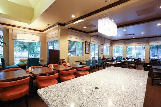 Hilton Garden Inn Bentonville, 2204 S.e. Walton Blvd,