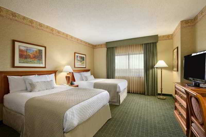 Embassy Suites Nrth…, 5055 International Boulevard,
