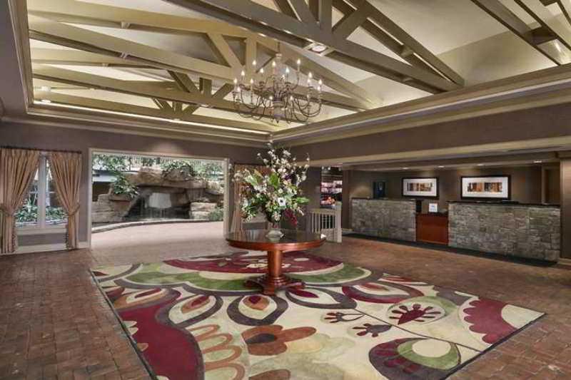 Embassy Suites Pittsburgh - Intl Airport