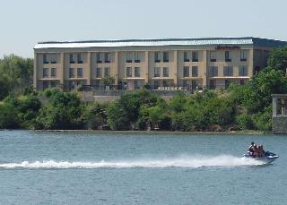 Hampton Inn Marble Falls - On The Lake