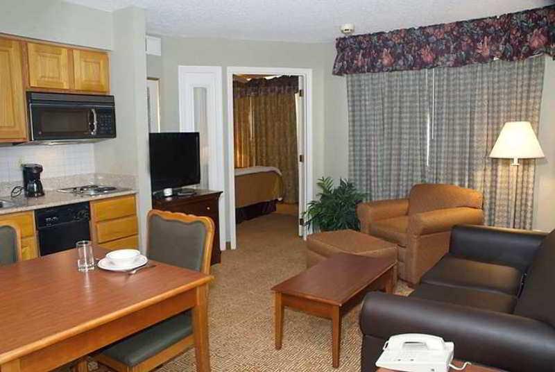 Sonesta Es Suites Cincinnati, 2670 E. Kemper Rd.,2670