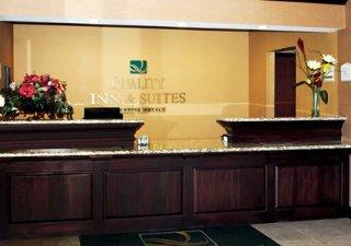 Book Quality Inn & Suites Hartford - image 0