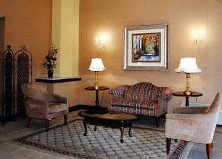 Book Quality Inn & Suites Hartford - image 2