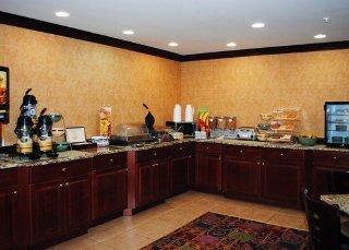 Book Quality Inn & Suites Hartford - image 10
