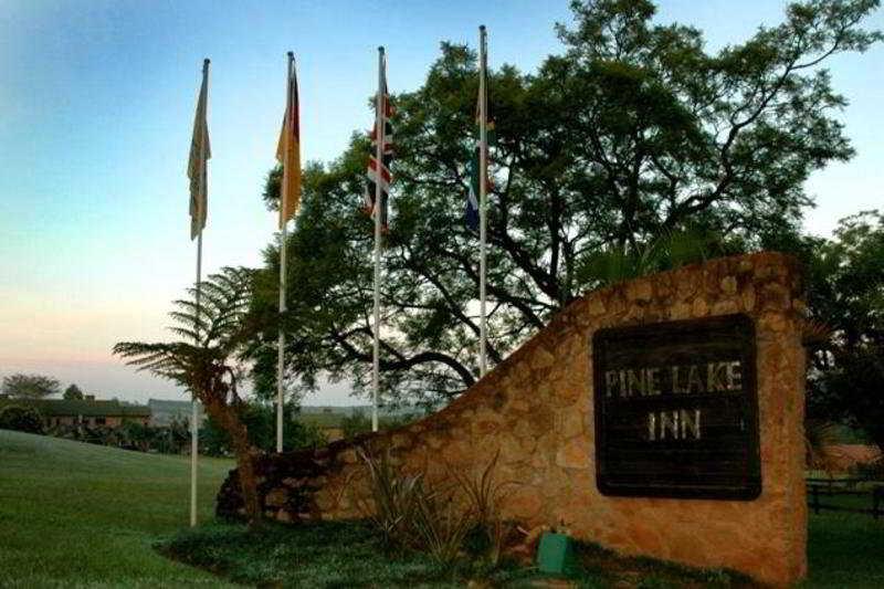 Pine Lake Inn - Generell