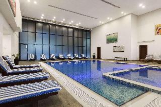 Ramada Hotel & Suite Ajman - Pool