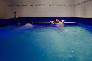 Suites 101 Park House - Pool