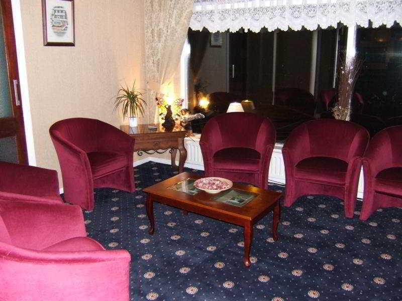 Leverdale Hotel, 242 - 244 Queen's Promenade,.…