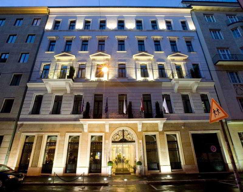 Alta Moda Fashion Hotel