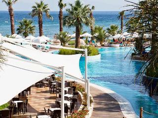 Paloma Pasha Resort, Cukuralti Mh. Ataturk Bulvari,143