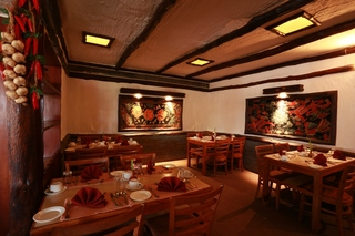 Pokhara Grande - Restaurant