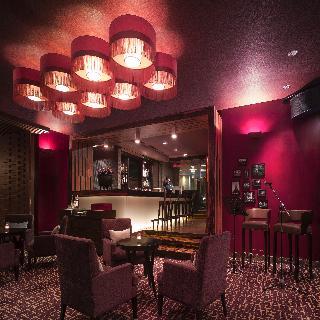 New World Makati Hotel - Bar