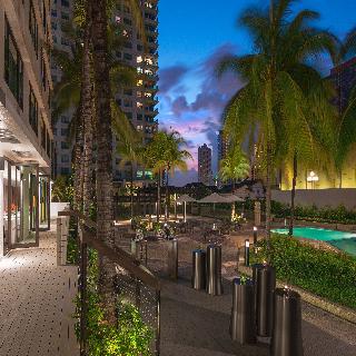 New World Makati Hotel - Terrasse