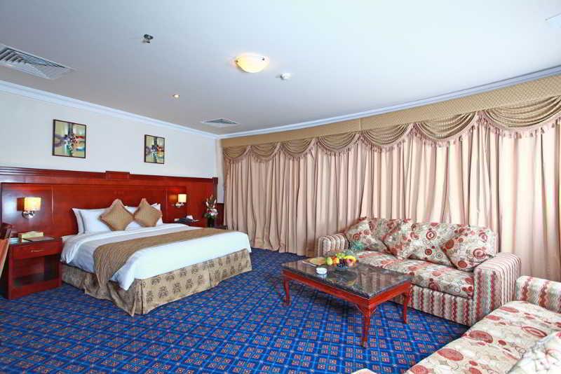 Ramee California Hotel - Zimmer