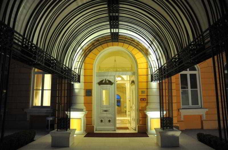Hotel Kvarner Palace, Ul. Brace Dr. Sobol,1