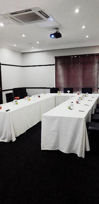 Court Classique Suite Hotel - Konferenz