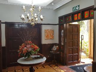 Court Classique Suite Hotel - Diele