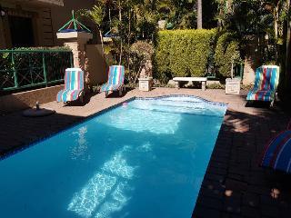 Court Classique Suite Hotel - Pool
