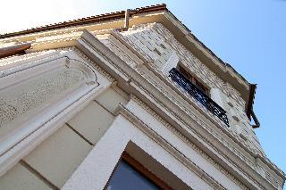 Cherica, Stefan Del Mare Street,4