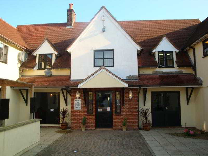Stansted Skyline Hotel, Chelmsford Road Barnston,