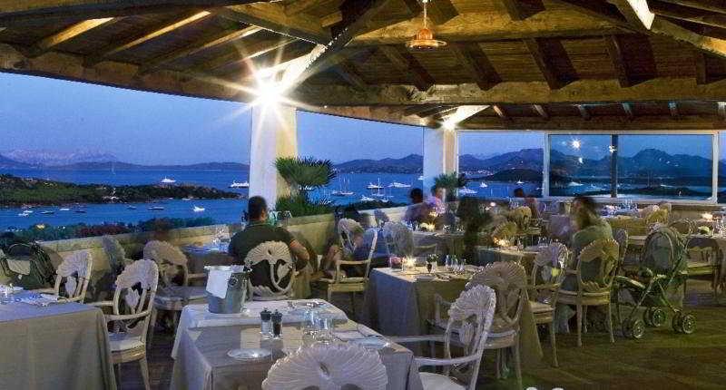 4 Sterne Hotel Petra Bianca In Porto Cervo Sardinien Italien