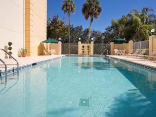 La Quinta Inn & Suites Naples Airport East I - 75