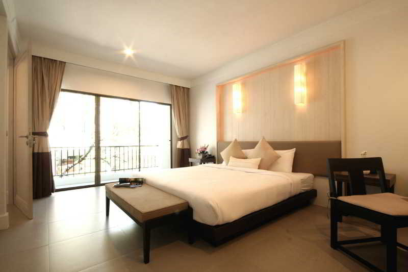 Sawaddi Patong Resort (formely Centara Sawaddi)
