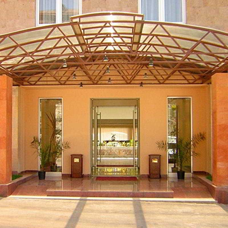 Regineh Hotel - Generell
