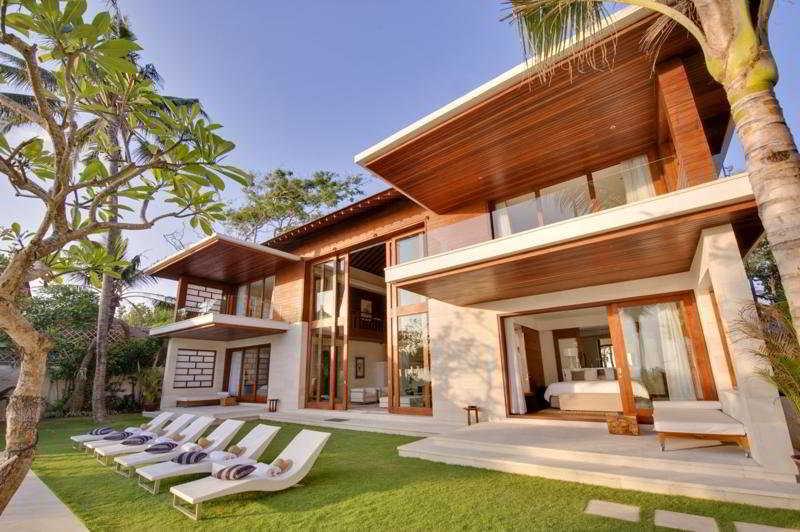 Beach House, Petitenget Seminyak,