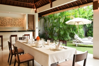 Villa Nyaman, Jalan Sari Temuku No. 14,…