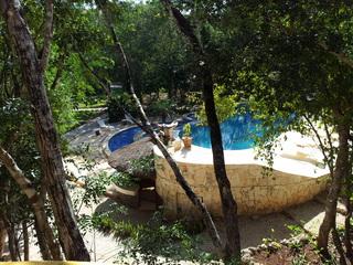Okaan - Pool