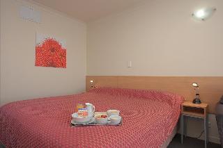 Taylors Motel, 770 East Street,